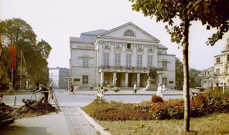 Bauarbeiten am Theaterplatz, 2011-11-13