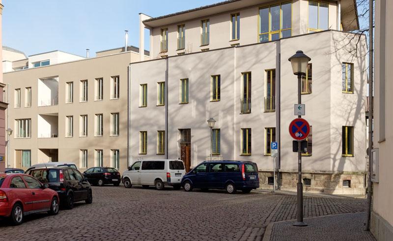 Neues Haus auf altem Sockel, 2000-00-00